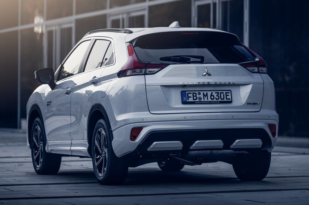 Content eclipse cross phev autozurnal.com 1