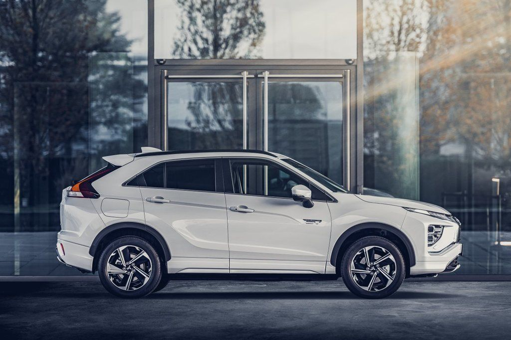 Content eclipse cross phev autozurnal.com 2