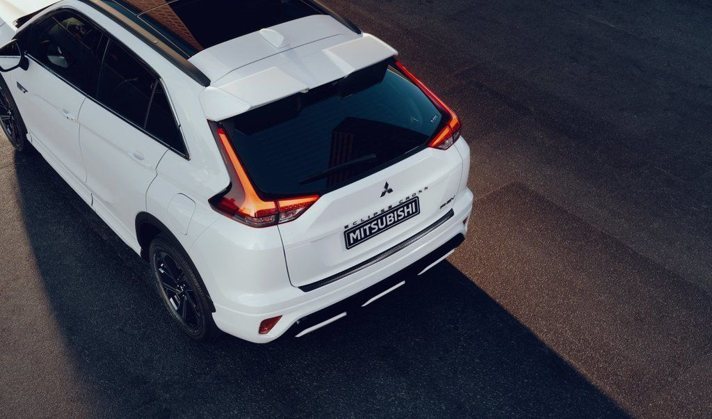 Content eclipse cross phev autozurnal.com 7
