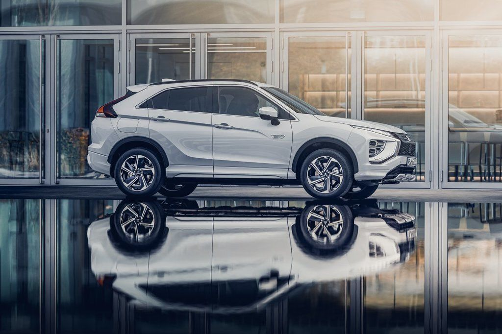 Content eclipse cross phev autozurnal.com 8