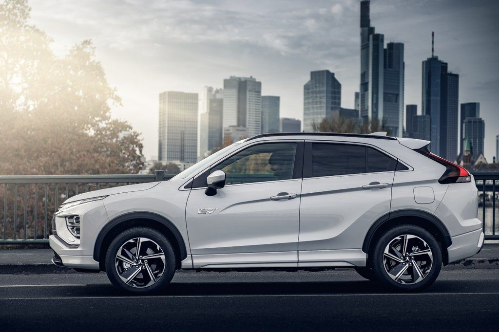 Content eclipse cross phev autozurnal.com 11