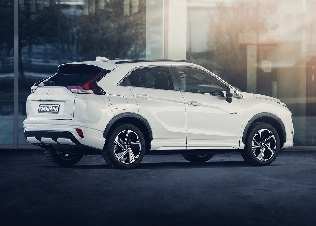 Content eclipse cross phev autozurnal.com 14
