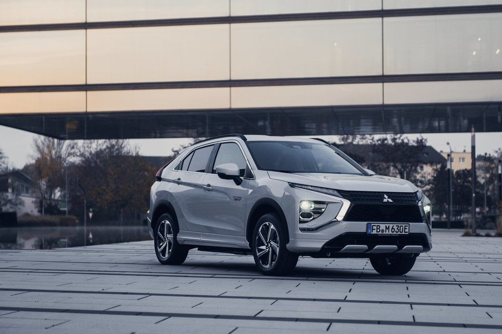 Content eclipse cross phev autozurnal.com 18