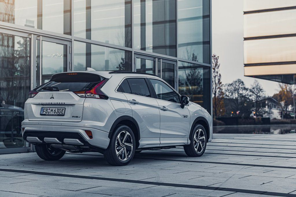 Content eclipse cross phev autozurnal.com 20