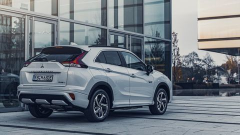 Thumb eclipse cross phev autozurnal.com 20