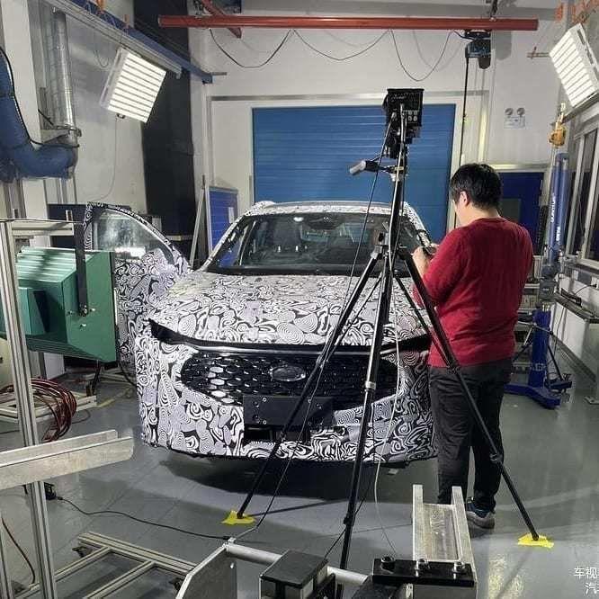 Content novy ford mondeo 2021 crossover autozurnal.com 3