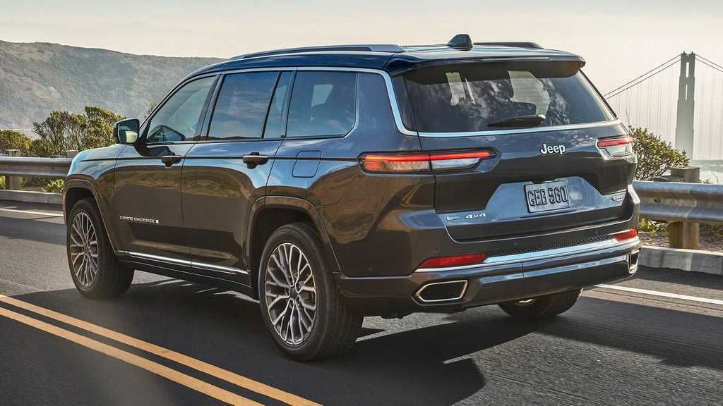 Content 2021 jeep grand cherokee l exterior  4