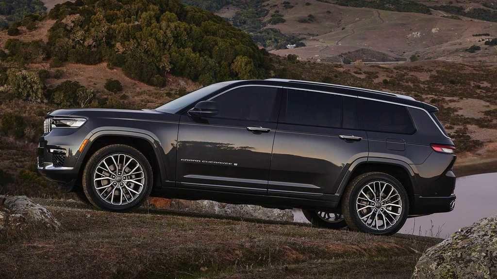 Content 2021 jeep grand cherokee l exterior  22