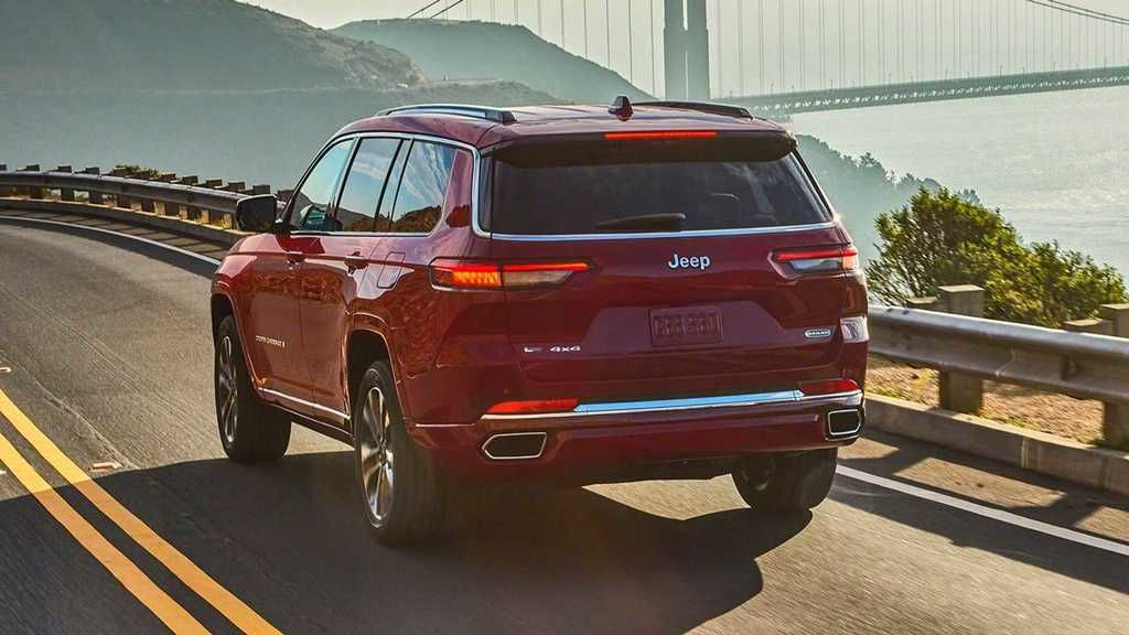 Content 2021 jeep grand cherokee l exterior  26