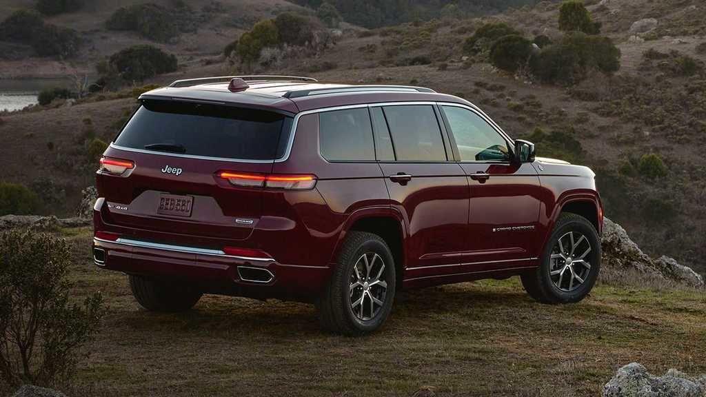 Content 2021 jeep grand cherokee l exterior  35