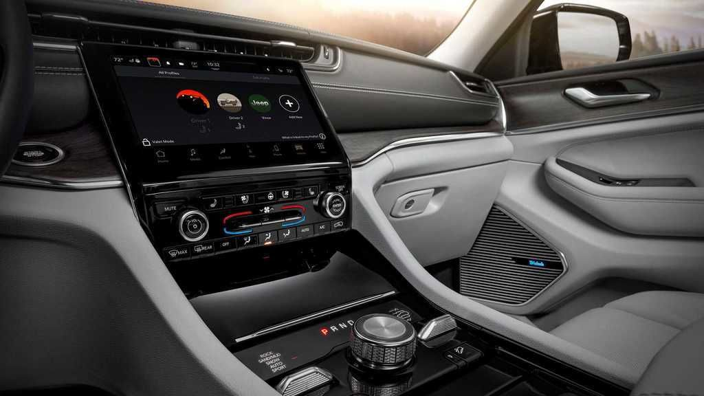 Content 2021 jeep grand cherokee l interior  2