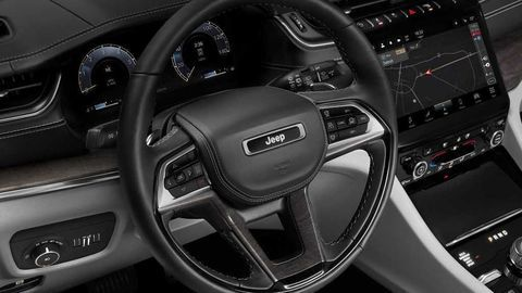 Thumb 2021 jeep grand cherokee l interior  3