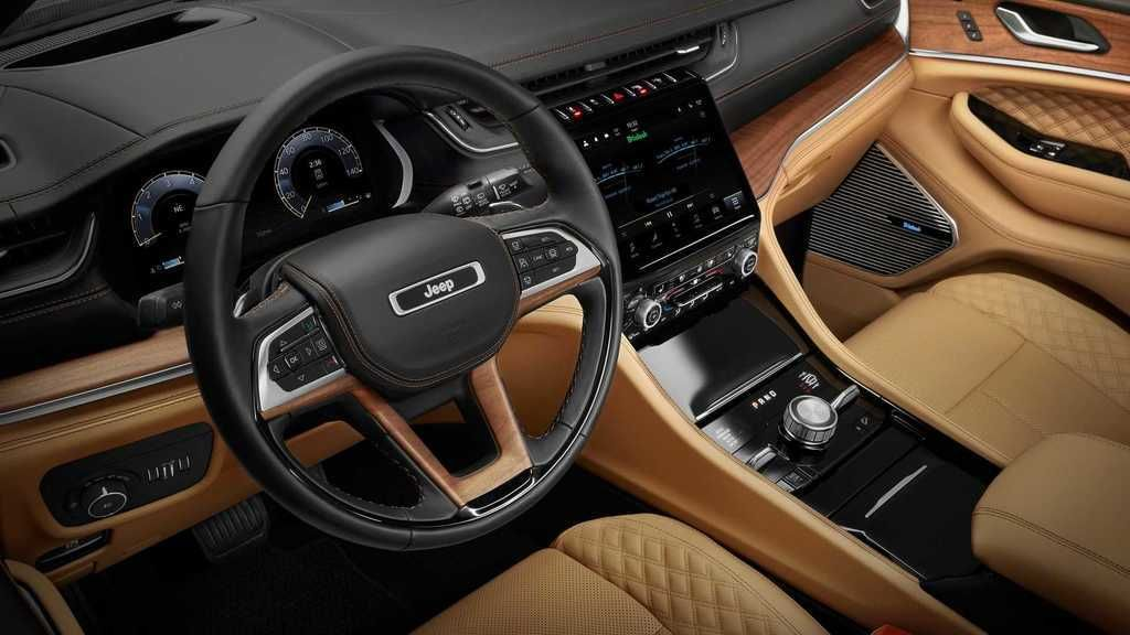 Content 2021 jeep grand cherokee l interior  11