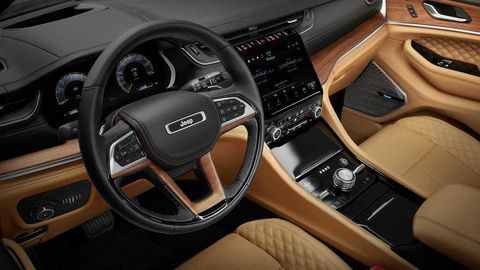 Thumb 2021 jeep grand cherokee l interior  11