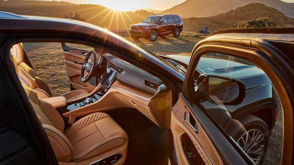 Content 2021 jeep grand cherokee l interior