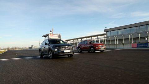 Thumb test hyundai tucson 2021 hybrid vs turbodiesel autozurnal.com 10