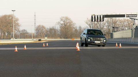 Thumb test hyundai tucson 2021 hybrid vs turbodiesel autozurnal.com 12