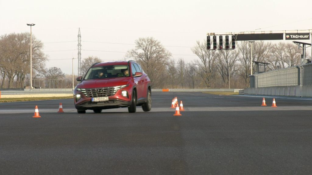 Content test hyundai tucson 2021 hybrid vs turbodiesel autozurnal.com 13