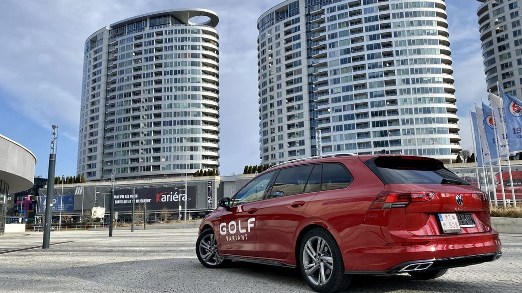 Content test volkswagen golf variant 2021 autozurnal.com 39