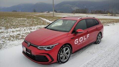 Thumb test volkswagen golf variant 2021 autozurnal.com 3