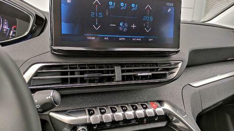 Thumb peugeot 3008 2021 test autozurnal.com 24