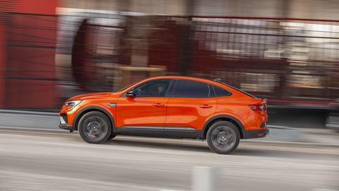 Thumb 2021   renault arkana tests drive   valencia orange  3
