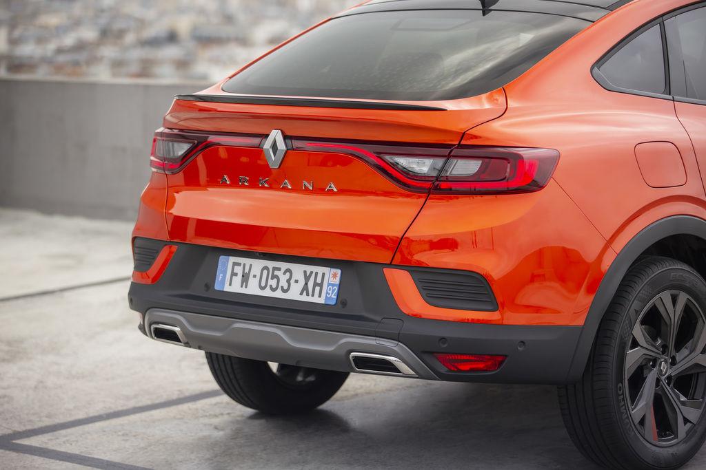 Content 2021   renault arkana tests drive   valencia orange  8
