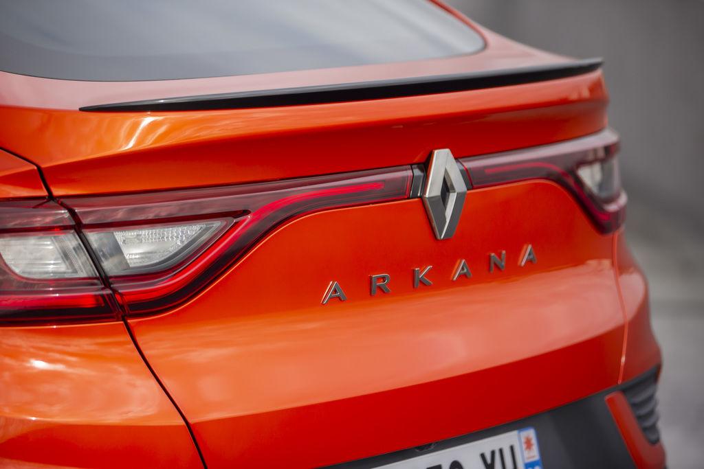 Content 2021   renault arkana tests drive   valencia orange  9