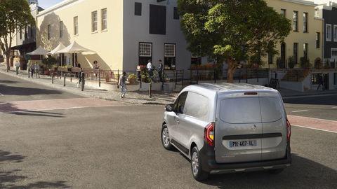 Thumb 2021   new renault kangoo van on location  1