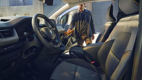 Thumb 2021   new renault kangoo van on location  4