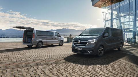 Thumb 2021   new renault trafic spaceclass on location