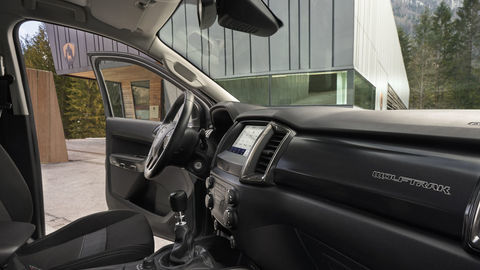 Thumb 2021fordranger wolftrak interior 02