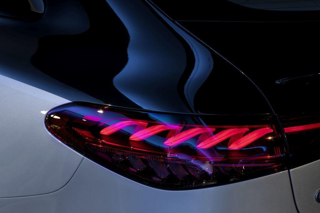 Content najluxusnejsi elektromobil mercedes eqs 2021 facelift autozurnal.com 2