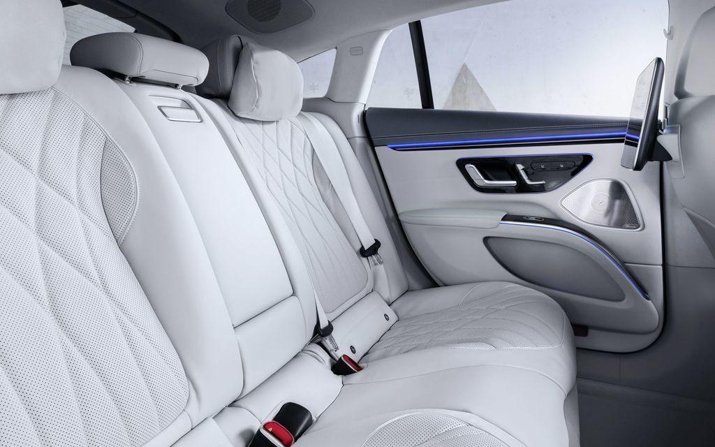 Content najluxusnejsi elektromobil mercedes eqs 2021 facelift autozurnal.com 8