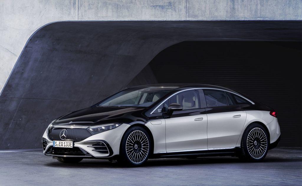 Content najluxusnejsi elektromobil mercedes eqs 2021 facelift autozurnal.com 9