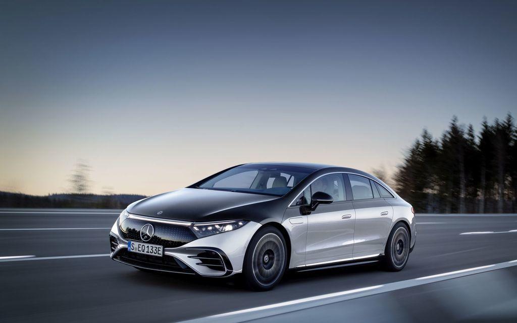 Content najluxusnejsi elektromobil mercedes eqs 2021 facelift autozurnal.com 21