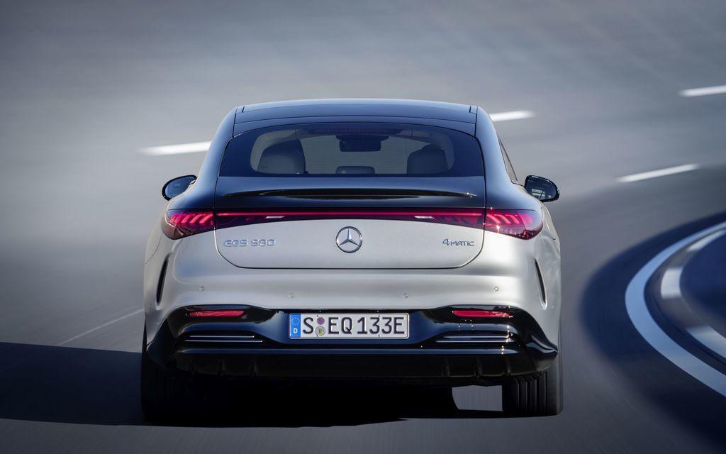 Content najluxusnejsi elektromobil mercedes eqs 2021 facelift autozurnal.com 23