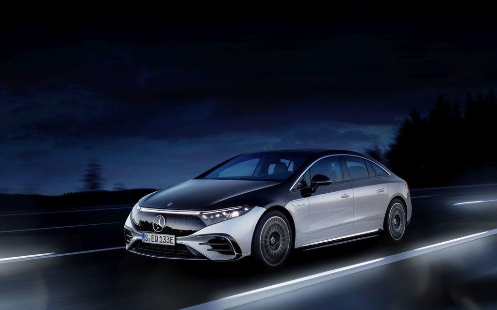 Content najluxusnejsi elektromobil mercedes eqs 2021 facelift autozurnal.com 28