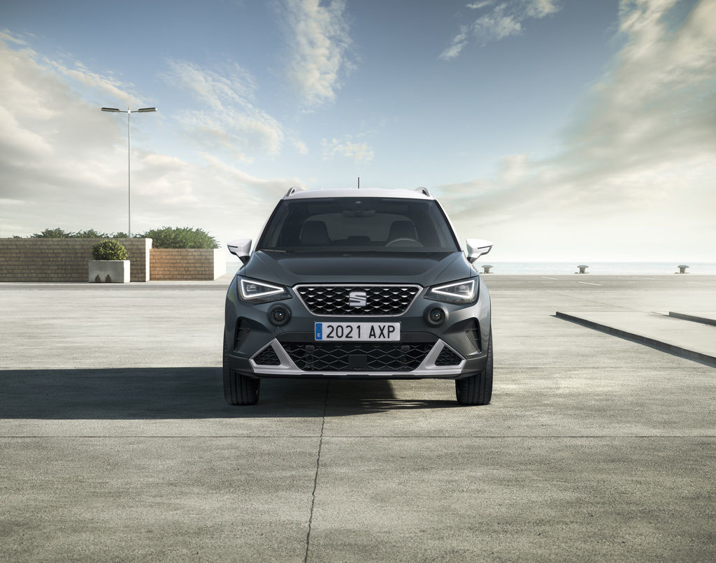 Content content seat arona xperience 04 hq