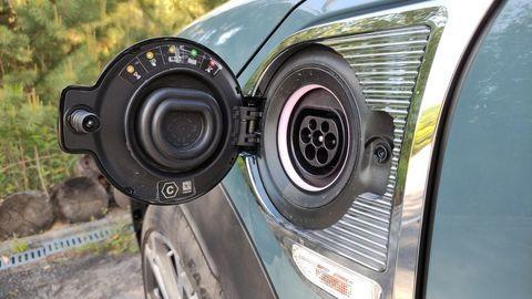 Thumb mini countryman plugin hybrid test autozurnal 38