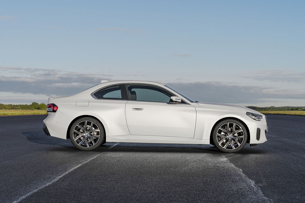 Content bmw 2 coupe g42 official autozurnal 6
