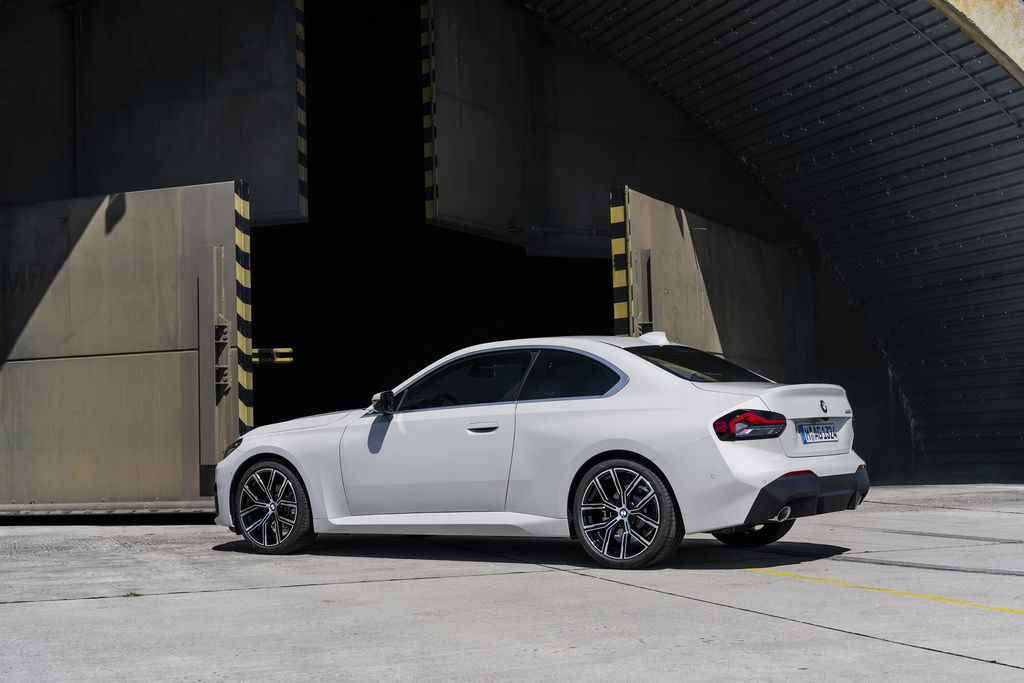 Content bmw 2 coupe g42 official autozurnal 10