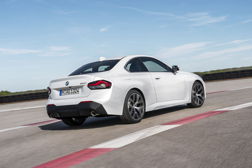 Content bmw 2 coupe g42 official autozurnal 17