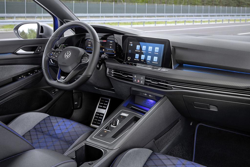 Content volkswagen golf r variant 2021 official autozurnal 6