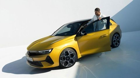 Thumb novy opel astra 2021 autozurnal.com 18