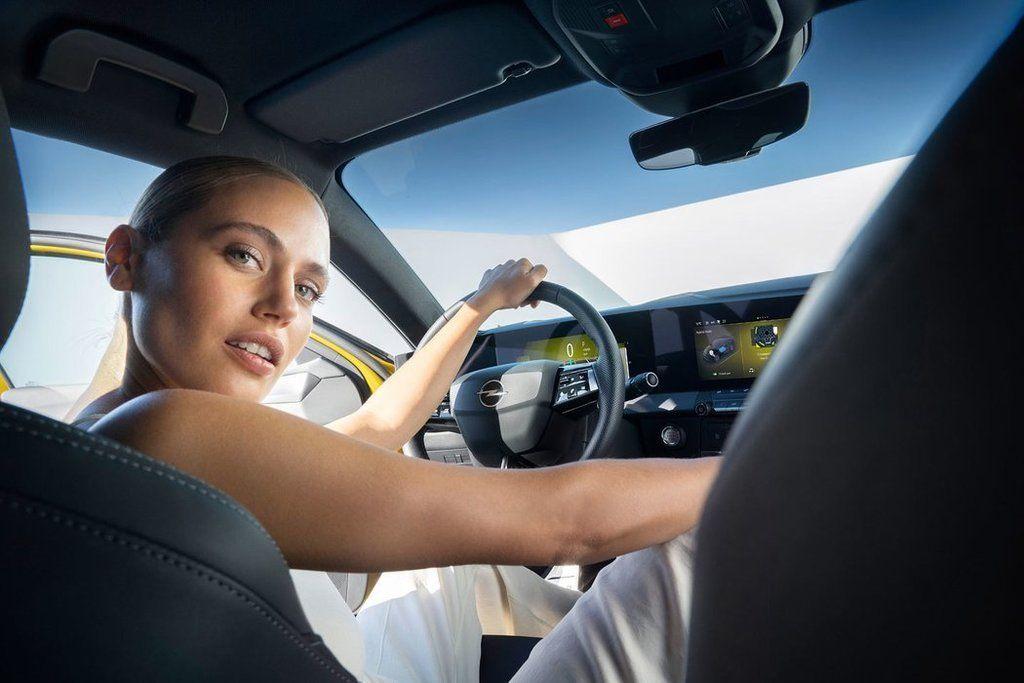 Content novy opel astra 2021 autozurnal.com 12