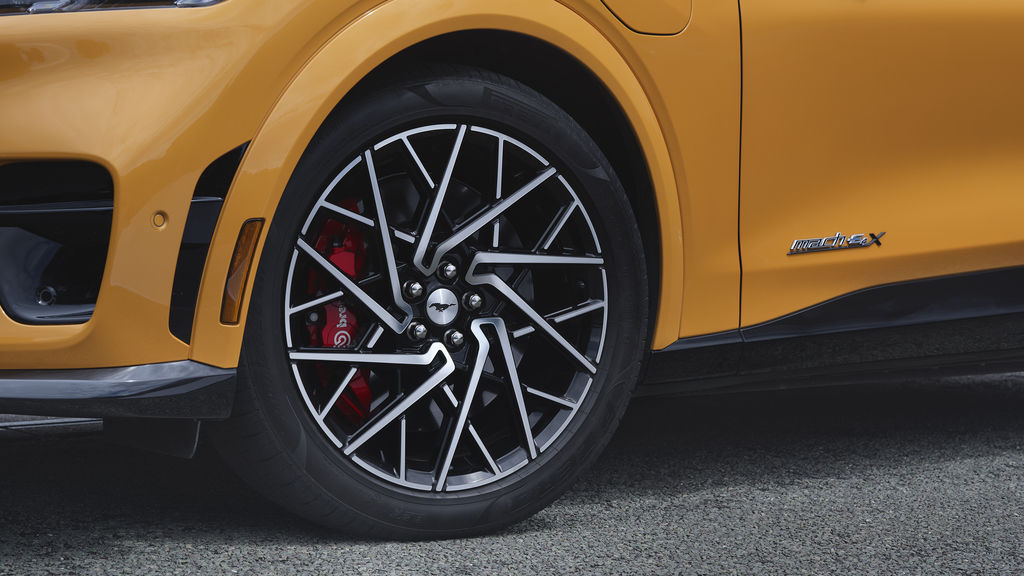 Content ford mustang mach e gt 2021 16