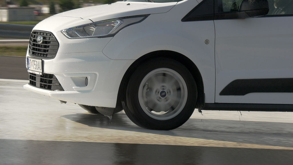 Content ford turneo connect active 2021 sk test 2021 1080p h264.00 14 20 01.still1041
