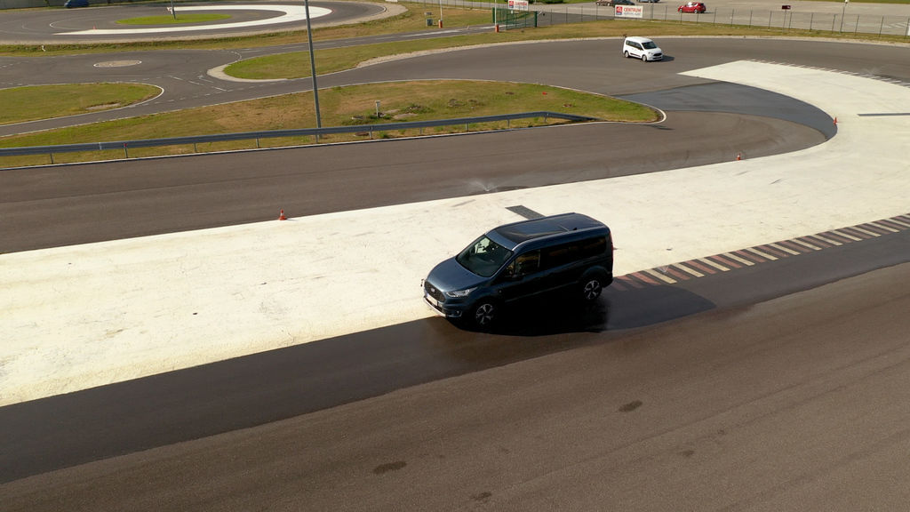 Content ford turneo connect active 2021 sk test 2021 1080p h264.00 15 49 23.still1042