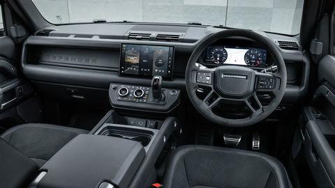 Thumb def 90 v8 interior 210721 01